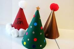 Easy Christmas Party Hat Craft for Kids Christmas Party Activities, School Christmas Party, Christmas Crafts For Kids To Make, Kids Christmas, Kids Crafts, Christmas Hats, Xmas Party, Grinch Party, Christmas Jingles