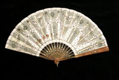Battoir fan National Trust Inventory Number 814712 Category Costume Date 1800 Materials Silk, muslin, tortoiseshell and metal Measurements 225 x 400 mm; 210 mm (Height) Place of origin Collection Dudmaston, Shropshire (Accredited Museum) Not on show Antique Fans, Vintage Fans, 1800s Fashion, Vintage Fashion, Fan Decoration, Regency Era, Ivory Silk, Vintage Accessories, Fashion Accessories