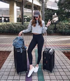 Comfy airport outfit. Who TF wears heels to travel