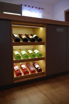 Weinregal für küche  Casier à bouteilles, cave à vin et refroidisseur dans la cuisine ...