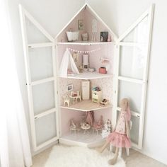 What an adorable corner dollhouse with glass doors. Diy Interior, Interior Design Living Room, Deco Kids, Barbie House, Little Girl Rooms, Diy Dollhouse, Kid Spaces, Girls Bedroom, Diy For Kids