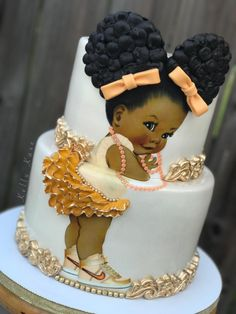 I saw this cake on Facebook and I think it was created by Kelly DeMerrick Williams. Oh my goodness, I LOVE IT!