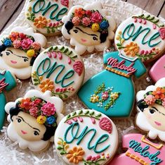 Frida Kahlo cookies for a first birthday party. Mexican Birthday Parties, Mexican Party, First Birthday Parties, First Birthdays, 2nd Birthday, Fiesta Cake, Fiesta Theme Party, Birthday Cookies, Cupcake Cookies
