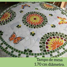 Mosaic Garden Art, Mosaic Diy, Mosaic Crafts, Mosaic Projects, Mosaic Glass, Mosaic Tiles, Mosaic Designs, Mosaic Patterns, Mosaic Outdoor Table