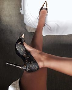 Tendance Sneakers 2018 : 39 Her Casual High Heels To Update You Wardrobe Now – louis vuitton shoe sandals Cute Shoes, Me Too Shoes, Fancy Shoes, Prom Shoes, Women's Shoes, Golf Shoes, Platform Shoes, Flat Shoes, Shoe Boots