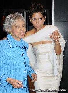 #HalleBerry Wears A Bright #WhitePashmina To The Frankie & Alice After Party