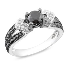 My wedding ring HAS to be something different like this, want a black diamond!
