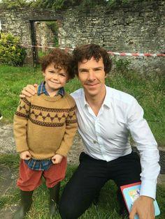 Benedict Cumberbatch and Louis Moffat (Young Sherlock) Sherlock Holmes Benedict, Sherlock Fandom, Sherlock Bbc, Benedict Cumberbatch, Sherlock Season, Mrs Hudson, Sherlolly, 221b Baker Street, John Watson