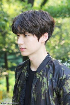 cute korean boy hairstyles with bangs
