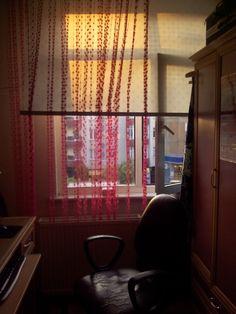 Odamın en sevdiğim köşesi.