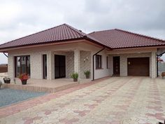 Modern Bungalow Exterior, Classic House Exterior, Modern Bungalow House, Classic House Design, Round House Plans, Tuscan House Plans, Dream House Plans, Modern House Plans, Single Storey House Plans