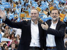 Alberto Fabra con Mariano Rajoy en el mítin central de la campaña de las Generales, en la Plaza de Toros de Valencia.