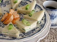 FANCY FINGER  SANDWICHES If you are having a party or get together, finger sandwiches are easy-to-make, delicious hors d'oeuvres that won't put a dent in your pocketbook. Serve these sandwiches with iced or hot tea, along with an assortment of cookies or other sweet treats.