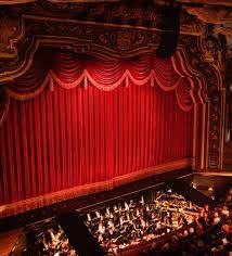 Instalación de telones para teatros, manufacturas técnicas en tejidos ignífugos M1 para el sector teatral. TELONES MADISSON