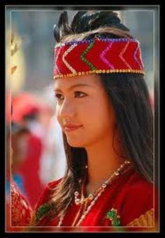 Girl from Dayak tribe Indonesia Friday, March The Dayak tribe are one of many tribes in Indonesia, in south east Asia, some called them head hunters. Traditional Wedding Dresses, Traditional Outfits, We Are The World, People Around The World, Rose Croix, Beautiful People, Beautiful Women, Minangkabau, Outfits