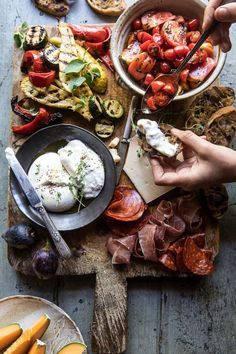 Marinated Tomato And Grilled Veggie Cheese Board Half - Marinated Tomato And Grilled Veggie Cheese Board A Simple Cheese Board Consisting Of Marinated Tomatoes Grilled Veggies Bread Burrata Cheese And Sweet Fruits An Affordable Way To Create A Beauti Fingers Food, Veggie Cheese, Veggie Tray, Marinated Tomatoes, Roasted Tomatoes, Half Baked Harvest, Grilled Veggies, Food Platters, Cooking Recipes