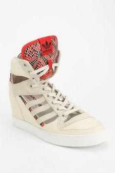 adidas Originals M Attitude Cutout High-Top Sneaker