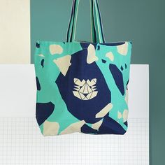 Navy and teal geometric tiger tote bag by Papier Tigre Geometric Tiger, Gift Guide, Diaper Bag, Reusable Tote Bags, Instagram Posts, Cute, Gifts, Accessories, Toronto