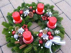 Autor: Tina Christmas Advent Wreath, Christmas Pine Cones, Christmas Tree Design, Christmas Makes, Christmas Time, Christmas Crafts, Christmas Decorations, Xmas, Holiday Decor