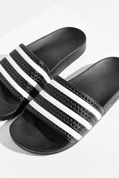 free shipping abed8 fb6cd adidas Originals Adilette Slide Addidas Sandals, Addidas Slippers, Adidas  Outfit, Adidas Shoes,