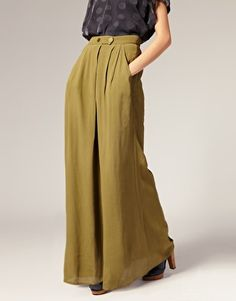 on a palazzo pants craze
