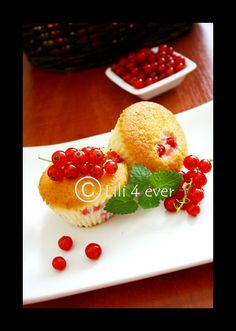 The red currant muffins