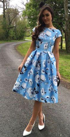 Trendy dresses - 49 Spring Dresses To Update You Wardrobe Now Trendy Dresses, Modest Dresses, Cute Dresses, Vintage Dresses, Beautiful Dresses, Casual Dresses, Formal Dresses, Flowery Dresses, Floral Midi Dress
