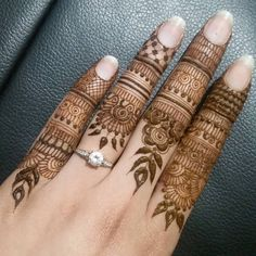 Eid festival is incomplete without mehndi. Finger mehndi designs add more charm to your beauty hands attractive. Latest Mehndi Designs, Mehandi Designs, Khafif Mehndi Design, Finger Henna Designs, Simple Arabic Mehndi Designs, Mehndi Designs For Girls, Mehndi Designs For Beginners, Modern Mehndi Designs, Dulhan Mehndi Designs