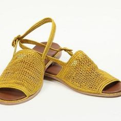 Handwoven raffia Shoes, Palm Style, Made in Morocco Sock Shoes, Cute Shoes, Me Too Shoes, Shoe Boots, Shoes Sandals, Shoe Bag, Flat Shoes, All About Shoes, Crochet Shoes