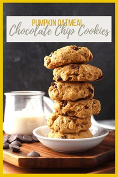 A fall classic: sweet and soft pumpkin chocolate chip cookies with oatmeal flavored with autumn spices and dark chocolate chunks for a sweet treat everyone will enjoy. Oatmeal Flavors, Vegan Oatmeal, Pumpkin Chocolate Chip Cookies, Oatmeal Raisin Cookies, Vegan Pumpkin, Sweet And Spicy, Sweet Treats, Spices, Autumn