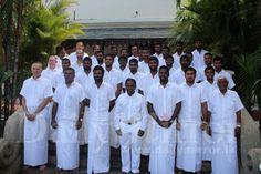 SL cricket team visits Sri Dalada Maligawa - Daily Mirror - Sri Lanka Latest Breaking News and Headlines