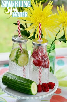 Host a summer party with sparkling spa water with fruit infused ice cubes! It's a refreshing way to cool off and relax! #WaterOnlyBetter  AD