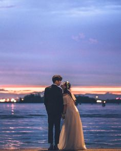 wedding photography tips Bridal Musings Pre Wedding Photoshoot, Wedding Poses, Wedding Couples, Cute Couples, Korean Wedding Photography, Couple Photography, Couple Pictures, Wedding Pictures, Korean Couple