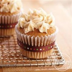 Delicious Snickerdoodle Cupcakes from Pillsbury® Baking and McCormick Spices are perfect for the Holiday season.