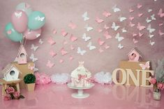 Baby Girl Birthday Dress, 1st Birthday Photoshoot, 1st Birthday Party For Girls, Butterfly Birthday Party, Baby First Birthday, Kids Birthday Photography, 1st Birthday Girl Decorations, Smash Cake Girl, Cake Smash Photography