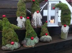 my favoruite lists Christmas Lights Outside, Outdoor Christmas, Christmas Flowers, Christmas Wreaths, Christmas Knomes, Yule Celebration, Deco Table Noel, Christmas Yard Decorations, Christmas Inspiration