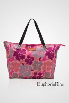 BEACH FLOWER Description : Simple Tote bag that is made from Japanese Cotton materials with floral pattern prints on it Material : Japanese Cotton with leather handle Size : Height : 30cm , Width : 32cm, Depth : 14cm and Handle drop 50cm  For further information pls kindly reach us on:  LINE euphorianine SMS/WA 081932528383  BBM 7CA490FA Worldwide : ltheresiaa@gmail.com TOTALLY HANDMADE