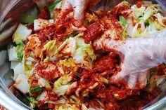 Easy kimchi recipe!! I'll try this soon! So many great Korean recipes on this site