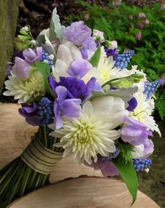 Best Spring Bridal Bouquets Ideas 26
