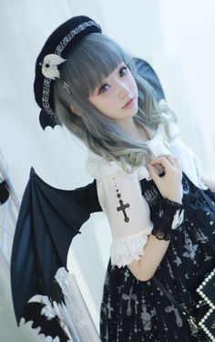 Angel After Dark. If you don't have any gothic fashion sense, this article is for you. There is absolutely no reason for you to look like a gothic fashion disaster. Harajuku Fashion, Kawaii Fashion, Cute Fashion, Fashion Clothes, Rock Fashion, Style Fashion, Fashion Dresses, Estilo Lolita, Cute Cosplay