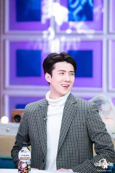 191203 MBC Radio star update with Sehun, Kpop Exo, Exo Korea, Exo Group, Hunhan, Exo Members, Tv Actors, Korean Fashion, Rapper