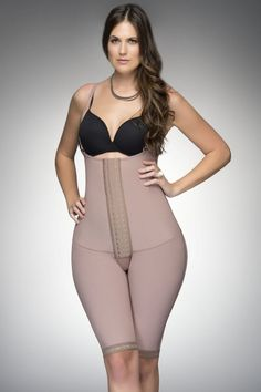 Fajas D'Prada Waist Reducing Girdle with Maximum Compression and High Back. ust-free girdle is designed with three different levels of clasps. Full back coverage provides benefits to the lumbar region resulting in better posture.
