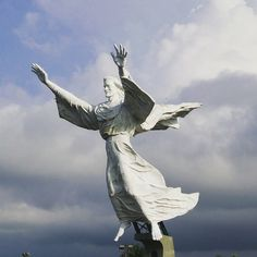 Manado city... wondering.. when i can see this monument again....
