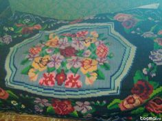Covoare traditionale romanesti Falling From The Sky, Rugs On Carpet, Loom, Weaving, Space, Floral, Fabric, Painting, Art