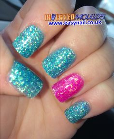 #Lightblue & #Neonpink #Glitter #Invertedmoulds #Nails #acrylics #NOTD #Nailart #Nailswag Inverted Moulds are available from www.easynail.co.uk Acrylics available from www.thenailartist.co.uk
