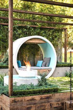 Um (lindo) jardim em manilhões de concreto https://br.pinterest.com/pin/560698222352239024/