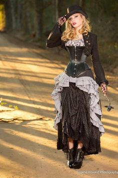 How to layer two skirts you already own to create a whole new look  - For costume tutorials, clothing guide, fashion inspiration photo gallery, calendar of Steampunk events, and more, visit SteampunkFashionGuide.com