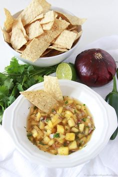 Pineapple Salsa is a summer must-have. you'll love the flavors in this salsa! Grab a bag of chips and dig in! Pineapple Salsa is like summer in a bowl with pineapples so fresh and sweet Finger Food Appetizers, Appetizer Dips, Finger Foods, Appetizer Recipes, Vegan Gluten Free, Vegan Vegetarian, Pineapple Salsa, Chip Bags, Tortilla Chips