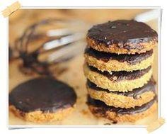 Ricetta Dukan dei biscotti Digestive (dalla fase di crociera) - http://www.lamiadietadukan.com/biscotti-digestive-ricetta-dukan/