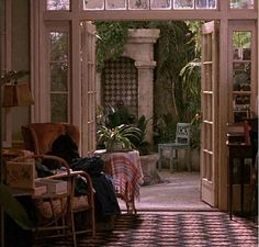 """Andie MacDowell's Apartment in the Movie """"Green Card"""" 